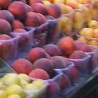Controlli sugli ambulanti in città, sequestrati tre quintali di frutta