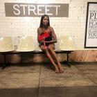 Naomi Campbell nuda nella metro di New York: l'omaggio di Pierpaolo Piccioli per i suoi 50 anni