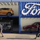 Ford, ora gli interni auto sono a prova di igienizzanti. Test per modificare la costituzione chimica dei rivestimenti