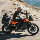 KTM 890 Adventure, nuovo motore e tanta maneggevolezza a portata di ogni motociclista