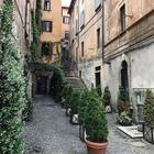 Roma, nella classifica delle 10 strade più belle del mondo c'è anche via dei Coronari