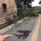 Roma, spara e uccide la fidanzata in mezzo alla strada: choc a Santa Palomba