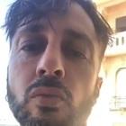 Fabrizio Corona minaccioso contro il Grande Fratello Vip: «Mi sono scattati strani impulsi». Poi la frecciatina a Ilary Blasi