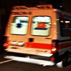 Auto finisce in un fossato nel Pavese: grave ragazzo trafitto dal guard-rail