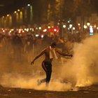 Incidenti e saccheggi: evacuati gli Champs-Elysees
