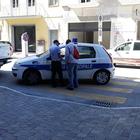 Troppi raduni di stranieri: dieci le persone multate. Tra i denunciati anche una prostituta