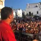 Video Salvini risponde ai contestatori in piazza