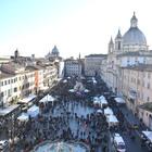 Piazza Navona e la Befana, l'assessore: «Ci sarà un nuovo bando per i posti vuoti»