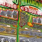 Gratta e Vinci, vince 5 milioni e sviene: «Donerà tutto a poveri e disabili»