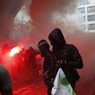 Parigi, scontri in piazza alla protesta anti-Macron