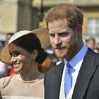 Harry e Meghan, primo party da marito e moglie: la duchessa è sempre più chic