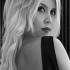 Wanda Nara infiamma i social: super sexy in bianco e nero - LA FOTO