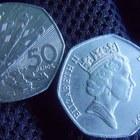 Sterlina, la moneta da 50 penny compie 50 anni: ecco quanto valgono le più rare