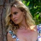 Justine Mattera scatenata regala un nudo integrale: «Le scarpe sono tutto ciò che serve»