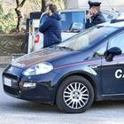 Far west a Firenze: inseguimenti tra nomadi in auto a colpi di pistola. Travolto uno scooterista