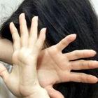 Sequestra la baby fidanzata, nei guai un giovane romeno