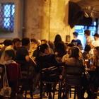 Covid a Pesaro Urbino, contagiato va a una cena: 30 in isolamento e 5 positivi