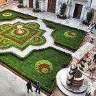 Torna Pienza e i fiori: la città toscana si trasforma in un giardino