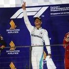 Hamilton chiude i giochi, vince anche a Singapore e allunga in classifica. Vettel 3° ora è a 40 punti