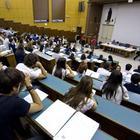 «Il 110 e lode non serve»: nuove regole per cancellare i meriti dei neolaureati