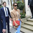 Victoria Beckham non snobba più Londra: debutto alla Fashion Week dopo 10 anni. E David approva