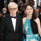 Molestie, Soon-Yi difende il marito Woody Allen: «Accusato ingiustamente»
