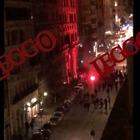 Roma, ultrà tedeschi dell'Eintracht Francoforte devastano via Cavour -Video