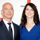 L'uomo più ricco del mondo è ora single: Jeff Bezos di Amazon divorzia dopo 25 anni
