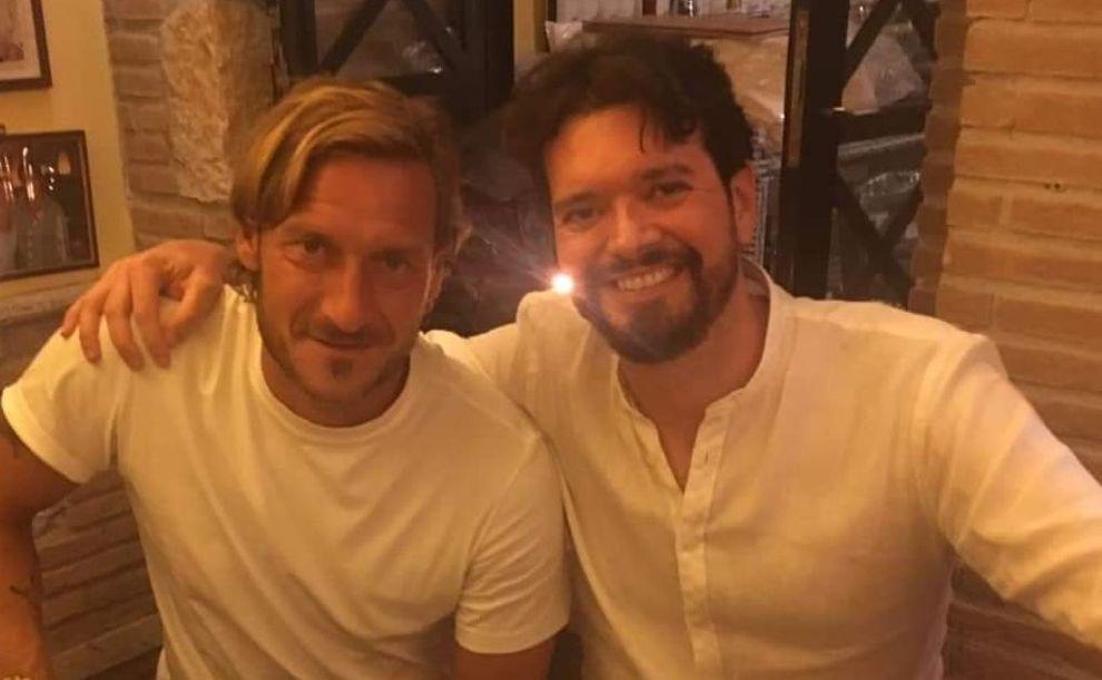 Anniversario Matrimonio Totti.Totti E La Foto Con Falcao Jr Francesco E Il Nostro Re