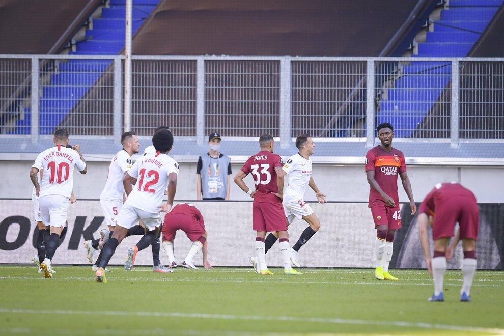 Siviglia Roma 2 0 Dominio Spagnolo I Giallorossi Sono Fuori Dall Europa League